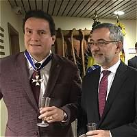 Presidente de Santa Fe fue condecorado por su gesto con el Chapecoense