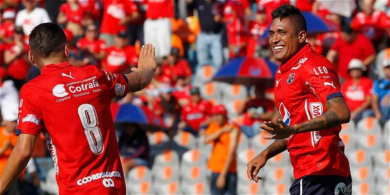 Medellín continúa comandando la Liga; venció 3-1 al Cali