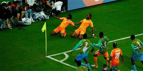 En dos minutos y de cabeza, Costa de Marfil venció a Japón 2-1