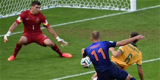 Arjen Robben anotó el gol 50 del Mundial