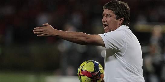 'Bolillo' Gómez se prepara para el primer torneo como DT de Panamá