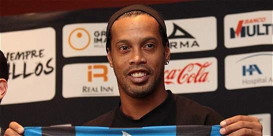 México entero rechaza acto de discriminación contra Ronaldinho