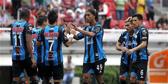 Ronaldinho anotó gol en la derrota 2-1 del Querétaro contra el Atlas