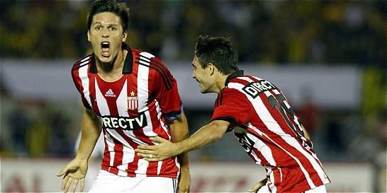 Estudiantes superó a Peñarol y pasó a cuartos de la Suramericana