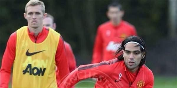 Falcao (der.), durante el entrenamiento de este domingo de Manchester United.
