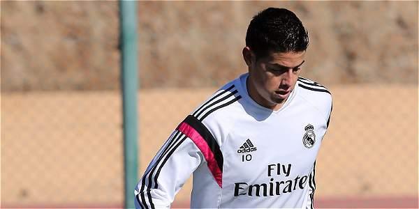 James Rodríguez, en el entrenamiento de este miércoles con Real Madrid.