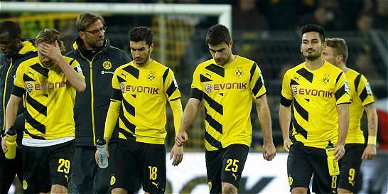 El Dortmund no levanta cabeza: perdió contra Ausburgo y sigue último