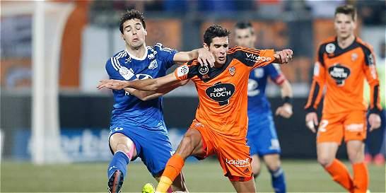 Lyon empató con Lorient, pero conservó el liderato en Francia