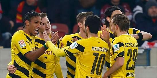Borussia Dortmund reafirmó su mejoría y derrotó a Stuttgart 2-3