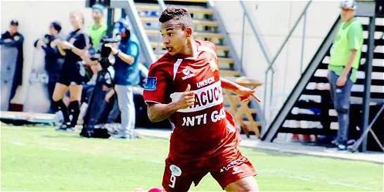 Descubren cáncer en futbolista colombiano