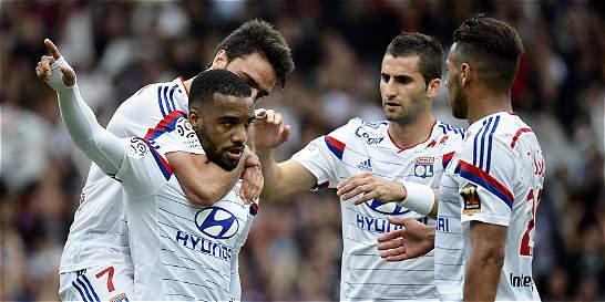 Lyon se impuso como líder provisional en Francia y presiona a PSG