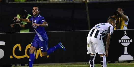 Un deslucido Nacional perdió 2-0 con Emelec en la Copa Libertadores