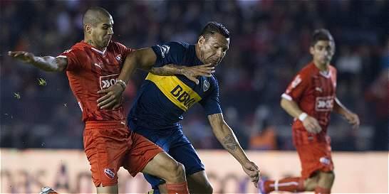 Boca igualó con Independiente y se mantuvo en el liderato en Argentina