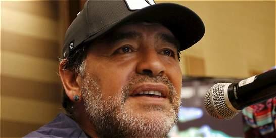 Grondona 'compraba votos' para Blatter, afirma Maradona