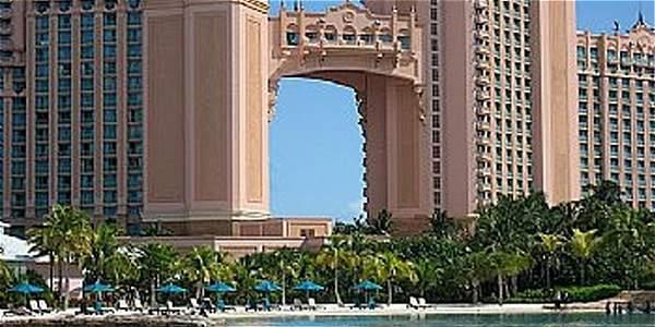 Con el dinero que amasó , 'Chuck' Blazer compró propiedades como una apartamento en el exclusivo Atlantis Resort de Bahamas.