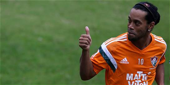 Ronaldinho Gaúcho debuta con victoria: 1-0 contra Gremio