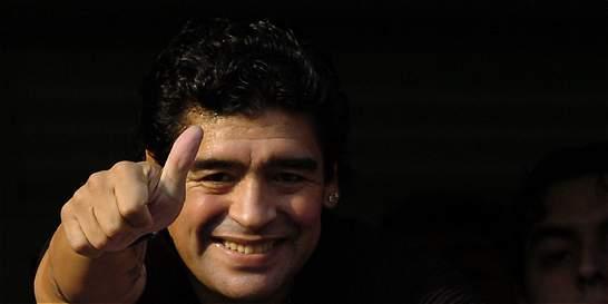 Maradona aceptó la presidencia de ONG ofrecida por la reina Isabel II