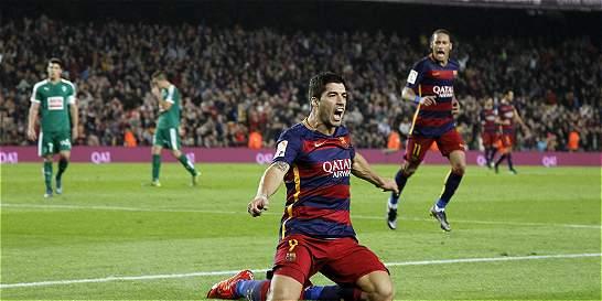 Luis Suárez le dio el triunfo al Barcelona contra Eibar