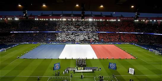 El PSG vs. Troyes, marcado por un homenaje a las víctimas de París