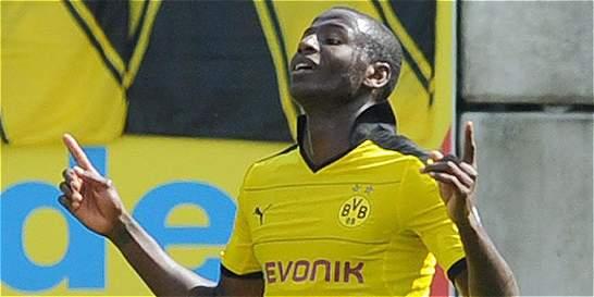 Adrián Ramos anotó en la victoria del Dortmund 4-1 sobre Frankfurt