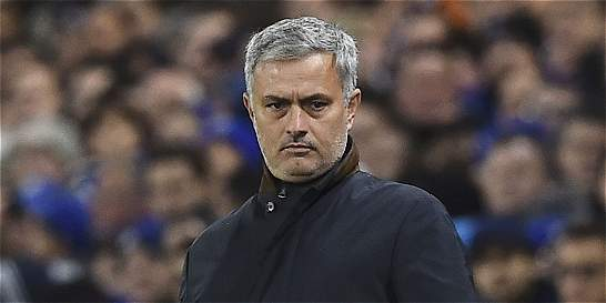 Mourinho, sin oferta del Manchester United; Van Gaal, contra la prensa