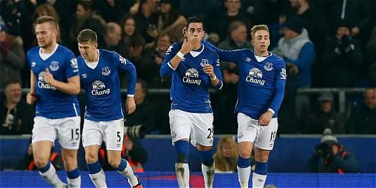 Everton venció 2-1 al City en la ida de las semifinales de la Copa