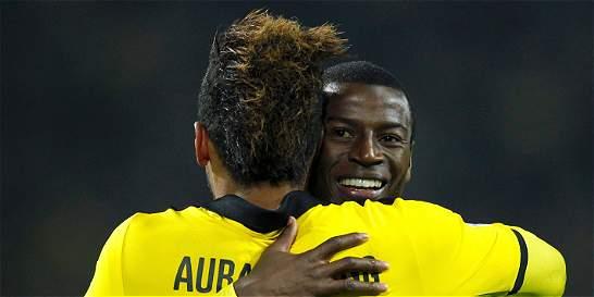 Adrián Ramos marcó dos goles en 4-0 del Dortmund sobre Eintracht
