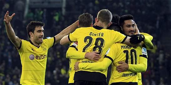 Dortmund venció 1-3 a Mönchengladbach y continúa segundo en Alemania