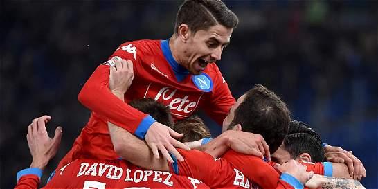 Nápoles y Juventus mantienen su pugna por liderar la Serie A