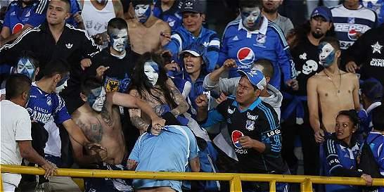 Hinchas de Millonarios protagonizaron pelea en tribuna de El Campín