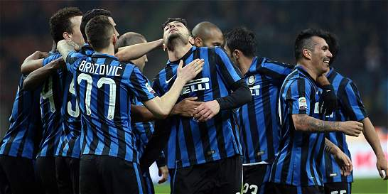 Inter le ganó 2-1 a Bologna y le mete presión a Fiorentina