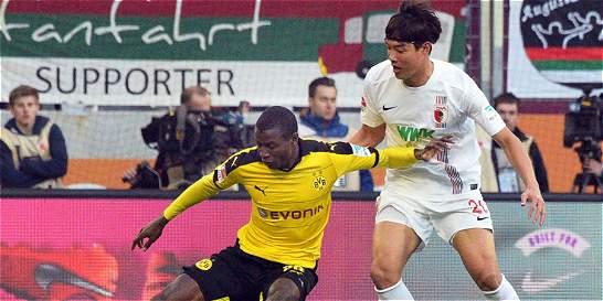 Adrián Ramos anotó en la victoria del Dortmund 1-3 sobre Augsburgo