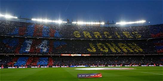 Emotivo homenaje para Johan Cruyff en el clásico español