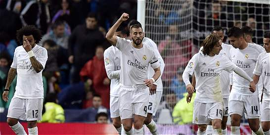 Real Madrid derrotó 3-0 a Villareal y sigue en el pulso por la Liga