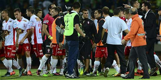 En gresca terminó el partido en Medellín