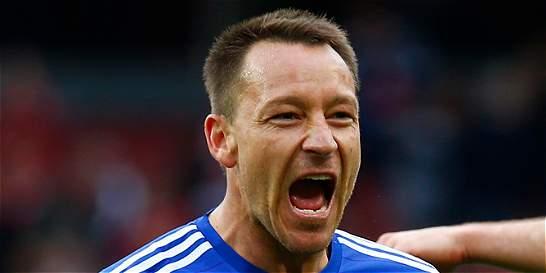 John Terry renovó con el Chelsea por una temporada más