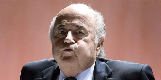 Blatter defiende a Kattner y reconoce que firmaba las bonificaciones