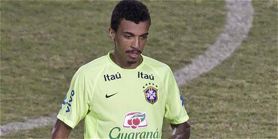 Luiz Gustavo, la sexta baja de Brasil para la Copa América Centenario