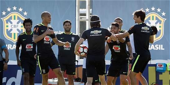 Brasil, sin estrellas, está obligado a la victoria contra Ecuador