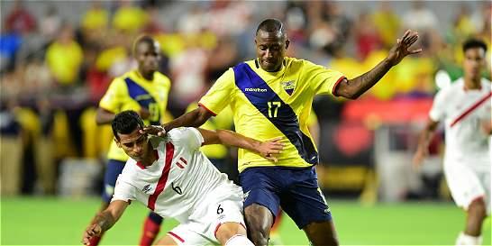 En un intenso partido, Ecuador empató 2-2 con Perú en la Copa