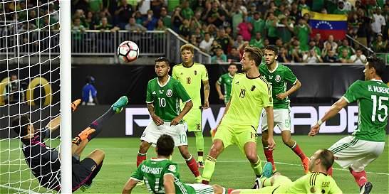México se sobrepuso, le empató a Venezuela y terminó líder del grupo