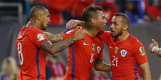 Chile venció 4-2 a Panamá y se instaló en los cuartos de la Copa