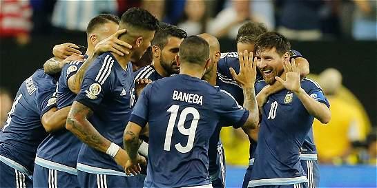Argentina goleó 4-0 a EE. UU. y es el primer finalista de la Copa