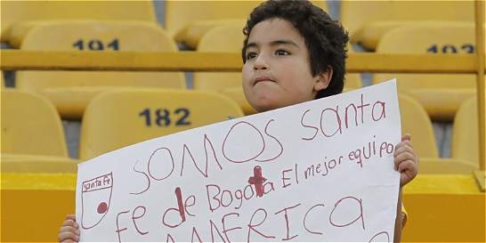 El pequeño hincha de Santa Fe que recibirá la camiseta de Ómar Pérez