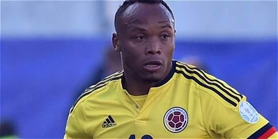 Camilo Zúñiga jugaría en el Watford de Inglaterra