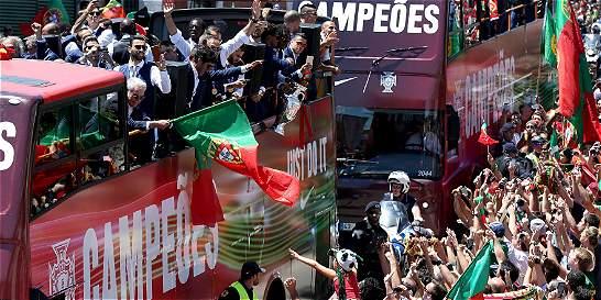 Portugal recibió como héroes a los campeones de la Eurocopa
