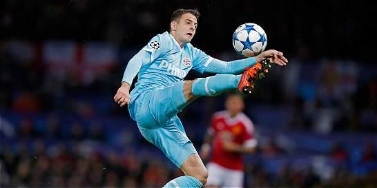 Chelsea ofrecería 14 millones por Santiago Arias, según diario inglés