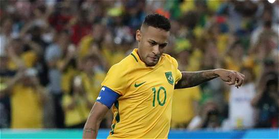 Luis Enrique permite a Neymar quedarse 17 días más en Brasil