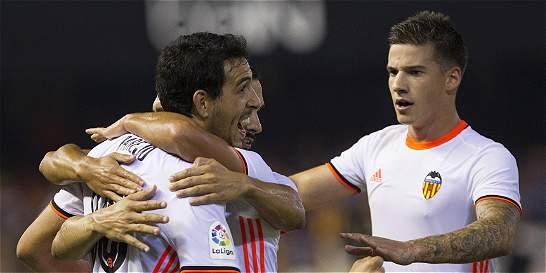 Valencia logró su primera victoria en la Liga: derrotó 2-1 a Alavés
