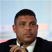 Ronaldo Nazario y Pablo Aimar, en el Partido de Leyendas FIFA-FCF